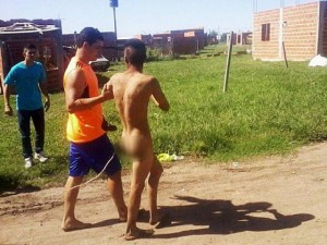Thế giới - Argentina: Bị bắt khỏa thân ra phố vì định hiếp bé 8 tuổi