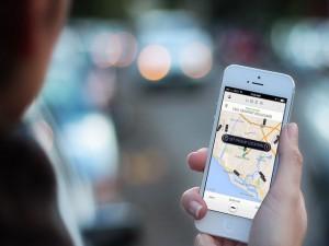 Uber giảm giá đồng loạt 3 loại xe taxi