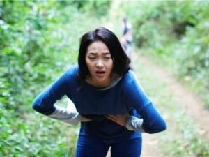 """Hậu trường phim - Minh Hằng """"thở không ra hơi"""" vì vai diễn khổ cực, tốn kém"""