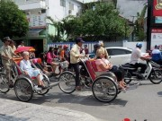 Tin tức trong ngày - Đà Nẵng: Du khách quốc tế chụp ảnh TNGT do tranh nhau vượt đèn đỏ