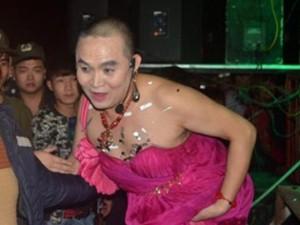"""14 hình ảnh """"khó đỡ"""" của danh hài Xuân Hinh"""
