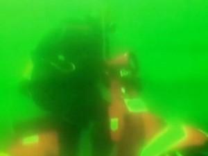 """Thế giới - Video: Xe Vespa """"độ"""" chạy dưới nước suốt 20 phút"""