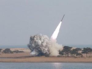 Thế giới - Kim Jong-un tuyên bố thu nhỏ thành công đầu đạn hạt nhân