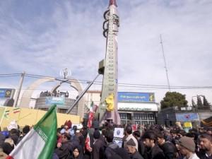 Thế giới - Bất chấp lệnh cấm vận, Iran thử hàng loạt tên lửa đạn đạo