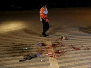 Israel: Tự rút dao khỏi cổ đâm chết kẻ khủng bố