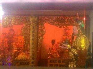 Tin tức trong ngày - Cận cảnh những ngôi chùa trên nóc chung cư ở Thủ đô