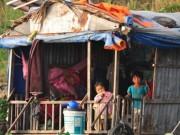 Tin tức trong ngày - Xóm Việt kiều lay lắt trên sông