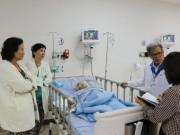 Sức khỏe đời sống - Lấy khối u 13 kg trong bụng cụ bà 100 tuổi