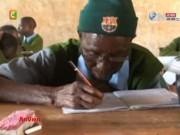 Video An ninh - Cụ bà 90 tuổi vẫn cắp sách học tiểu học