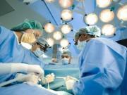 Sức khỏe đời sống - Bác sĩ tự tử, nằm liệt giường sau sự cố y khoa, ai bảo vệ?