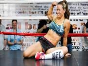 Võ thuật - Quyền Anh - Khó cưỡng: Cảnh sát lén nhìn vòng 3 mỹ nữ UFC