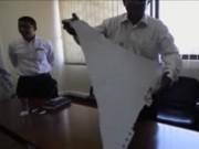 Video An ninh - Mảnh vỡ nghi của MH370 được chuyển tới Malaysia