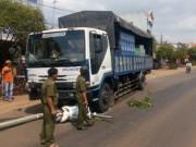 Tin tức Việt Nam - Xe tải không người lái chạy bon bon trên Quốc lộ 56