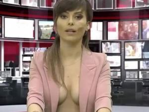Phim - Nữ MC chuyên thả rông ngực dẫn thời sự