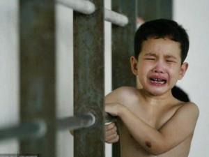 Thế giới - Người Trung Quốc dạy con: Vả vào mặt nếu không nghe lời