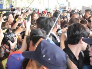 Ca nhạc - MTV - Clip fan Việt la hét, giẫm đạp nhau vì T-ara