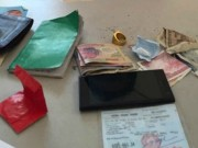 An ninh Xã hội - Bị bắt, nghi can đưa nhẫn vàng hối lộ công an