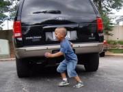 Tin tức trong ngày - TP HCM: Cha lùi xe, vô tình cán chết con trai 2 tuổi