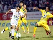 """Tin bên lề bóng đá - HAGL thua do thời tiết và bị Đồng Tháp """"câu giờ"""""""
