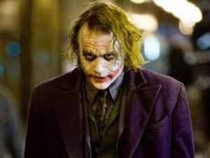 """Phim - 11 câu thoại kinh điển của kẻ xấu Joker trong """"Người dơi"""""""