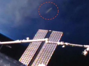 Phi thường - kỳ quặc - Tàu của NASA chạm trán người ngoài hành tinh?
