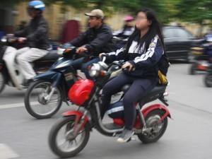 Tin tức trong ngày - Bỏ quy định HS vi phạm giao thông sẽ bị buộc thôi học