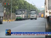 Xuất nhập khẩu - Hàng trăm xe tải ùn ứ trong nhà máy thép