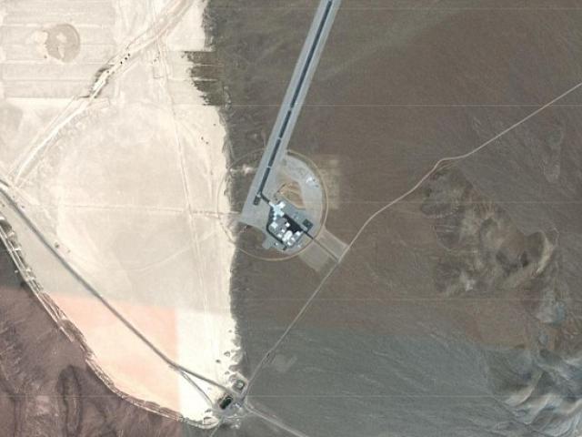 Hình ảnh chưa từng công bố về Khu vực 51 bí ẩn của Mỹ - 4