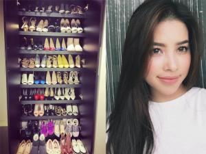 Phim - Facebook sao 16/3: Phạm Hương khoe tủ giày hàng hiệu