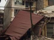 Tin tức trong ngày - Đào móng, làm đổ sập nhà hàng xóm