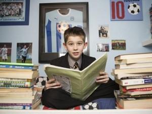 Thế giới - 11 tuổi, thông minh hơn Einstein nhưng chỉ thích đá bóng