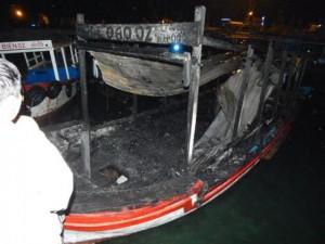 Tin tức trong ngày - Khánh Hòa: 2 tàu du lịch bốc cháy trong đêm