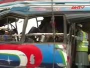 Video An ninh - Pakistan: Đánh bom xe chở NV chính phủ, 16 người chết