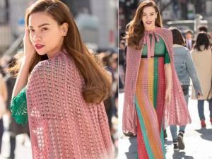 """Thời trang - Hồ Ngọc Hà ăn mặc """"khó hiểu"""" trên đường phố Tokyo"""