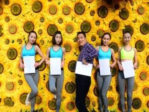 Bạn trẻ - Cuộc sống - Nữ sinh Nghệ thuật TQ khoe vòng eo A4 gợi cảm