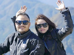 Ca nhạc - MTV - Cảm phục người vợ kề vai sát cánh cùng Trần Lập