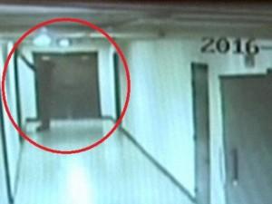 Thế giới - Triều Tiên công bố video sinh viên Mỹ trộm bảng hiệu