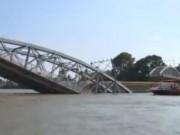 Tài chính - Bất động sản - Thiệt hại kinh tế lớn vì sập cầu Ghềnh ở Đồng Nai
