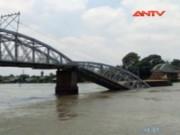 Video An ninh - Sập cầu Ghềnh ở Đồng Nai, nhiều người rơi xuống sông