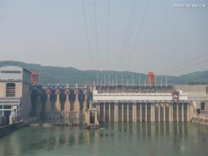 Thế giới - Ảnh: Đập thủy điện TQ xả nước xuống phía Việt Nam