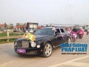 Ô tô - Xe máy - Cận cảnh dàn xe siêu sang tại đám cưới làng ở Hà Tĩnh