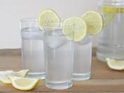 Sức khỏe đời sống - Những tác hại không ngờ khi uống nước chanh giảm cân