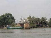 Tin tức trong ngày - Thông luồng giải tỏa tàu thuyền ùn tắc 2 bên cầu Ghềnh