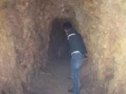Tin tức trong ngày - Bí thư huyện đào hầm xuyên núi chỉ để… chứa rượu (?!)