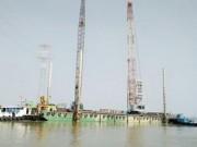 Tin tức trong ngày - Đưa cẩu 500 tấn đến khắc phục sự cố cầu Ghềnh
