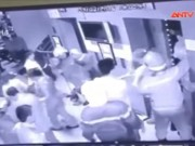 Video An ninh - Rơi thang máy chung cư ở TP.HCM, 16 người kẹt cứng