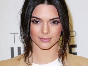 Thời trang - Không đếm xuể thói hư tật xấu của Kendall Jenner