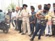 """""""Người sắt"""" Ấn Độ: Đao thương bất nhập"""