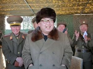 Triều Tiên tập trận đạn thật bắn phá dinh Tổng thống HQ
