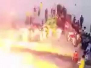 Thế giới - Iraq: Đánh bom tự sát giữa sân bóng, 65 người chết